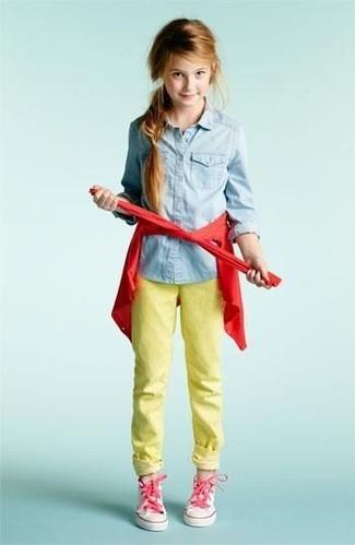 Cómo combinar unas zapatillas rosadas: