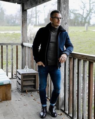 Cómo combinar: cazadora de aviador de lana azul marino, jersey de cuello alto en gris oscuro, vaqueros pitillo azules, botines chelsea de cuero negros