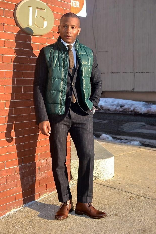 Combinar chaleco abrigo verde