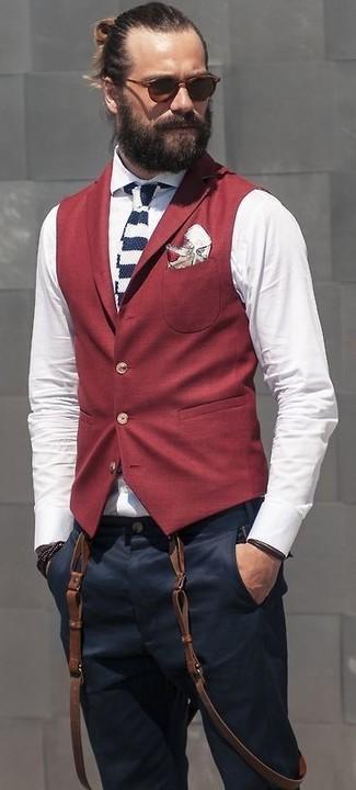 Cómo combinar un pañuelo de bolsillo con print de flores blanco: Para un atuendo que esté lleno de caracter y personalidad equípate un chaleco de vestir burdeos con un pañuelo de bolsillo con print de flores blanco.