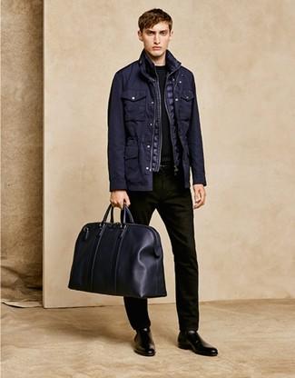 Cómo combinar: chaqueta campo negra, chaleco de abrigo acolchado negro, jersey con cuello circular negro, vaqueros negros