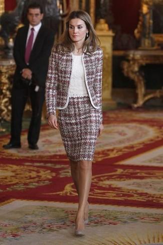 Chaqueta de tweed morado blusa sin mangas blanca falda lapiz morado large 32817