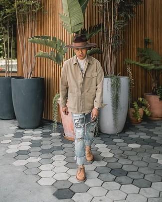 Cómo combinar un sombrero de lana en marrón oscuro: Una chaqueta estilo camisa en beige y un sombrero de lana en marrón oscuro son una opción perfecta para el fin de semana. Con el calzado, sé más clásico y complementa tu atuendo con náuticos de cuero marrón claro.
