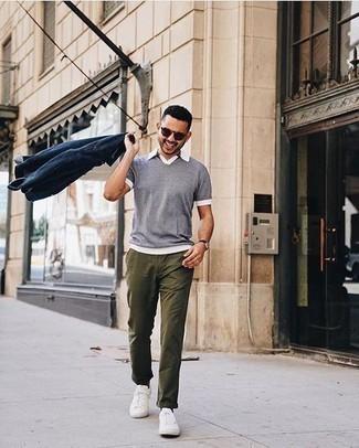 Como Combinar Un Pantalon Chino Verde Oliva Con Una Camisa Polo Gris 6 Outfits Lookastic Espana
