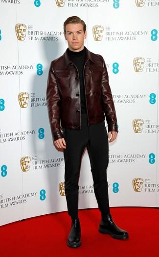 Cómo combinar: chaqueta estilo camisa de cuero en marrón oscuro, jersey de cuello alto negro, pantalón chino negro, botines chelsea de cuero negros