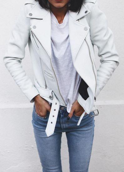 Como combinar chaqueta de cuero blanca