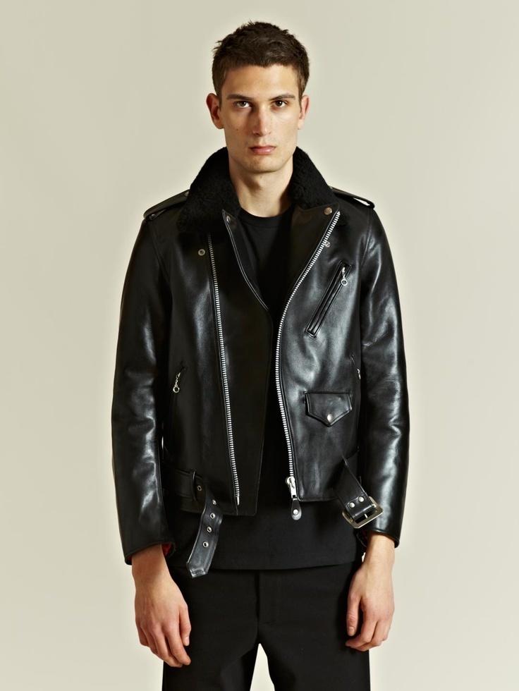Como combinar una chaqueta cuero negra