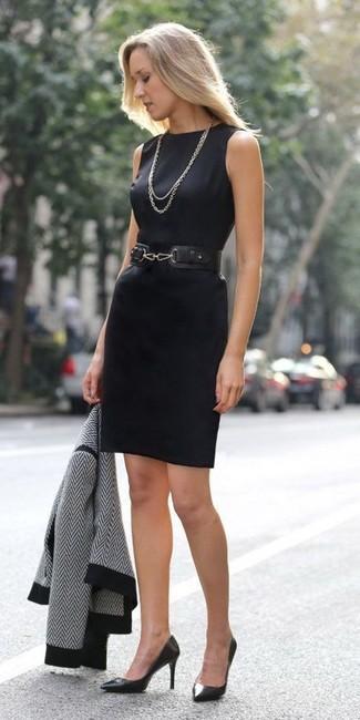 Vestido negro ala rodilla en tubo