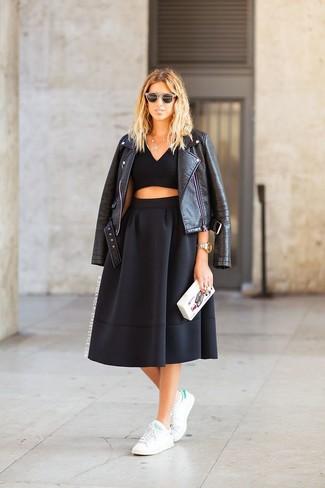 272ff05d14 Cómo combinar una falda midi negra con un top corto negro (8 looks ...