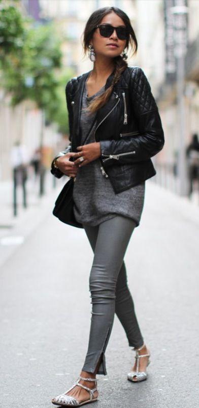 ff5887ae10e4 Cómo combinar unos leggings de cuero grises (2 looks de moda) | Moda ...