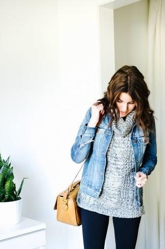 Cómo combinar unos leggings azul marino: Una chaqueta vaquera azul y unos leggings azul marino son una opción buena para el fin de semana.