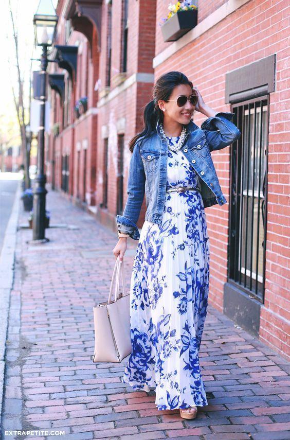 Vestido largo blanco con flores azules