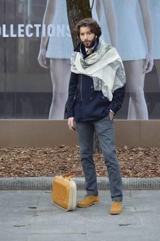 Cómo combinar una bolsa tote de lona marrón claro: Opta por un chaquetón azul marino y una bolsa tote de lona marrón claro transmitirán una vibra libre y relajada. Botas safari de ante marrón claro proporcionarán una estética clásica al conjunto.