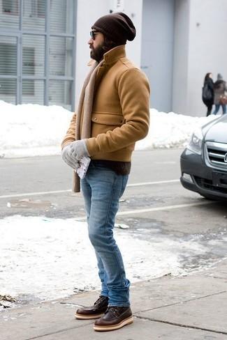 Cómo combinar unos guantes: Empareja un chaquetón marrón claro junto a unos guantes transmitirán una vibra libre y relajada. Botas casual de cuero en marrón oscuro dan un toque chic al instante incluso al look más informal.