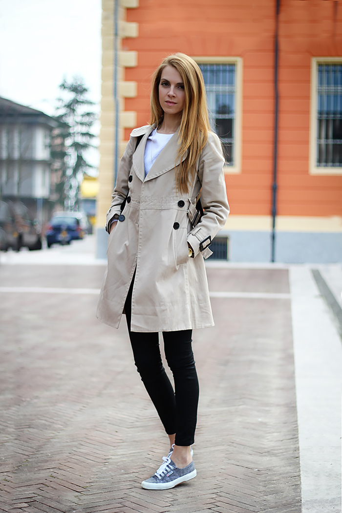 Outfits Con Tenis Grises