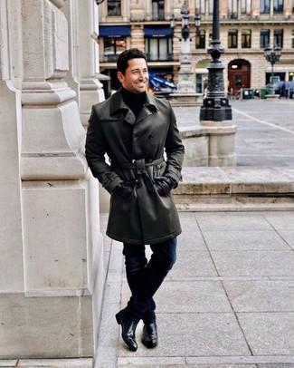 Cómo combinar unos guantes de cuero negros: Para un atuendo tan cómodo como tu sillón usa una gabardina de cuero negra y unos guantes de cuero negros. Con el calzado, sé más clásico y opta por un par de botines chelsea de cuero negros.