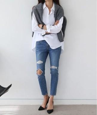 Cómo combinar un reloj de cuero negro: Utiliza un jersey con cuello circular gris y un reloj de cuero negro transmitirán una vibra libre y relajada. Zapatos de tacón de ante negros son una opción excelente para complementar tu atuendo.