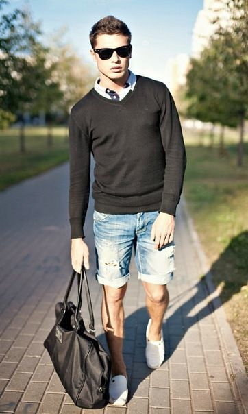 Todos Con tu ropa Look de moda Jersey con Cuello Circular Negro, Camisa Polo Blanca, Pantalones Cortos