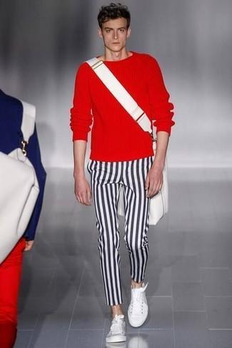 Como Combinar Unos Tenis Blancos Con Unos Pantalones De Rayas Verticales Para Hombres De 20 Anos En Clima Calido 35 Outfits Lookastic Espana