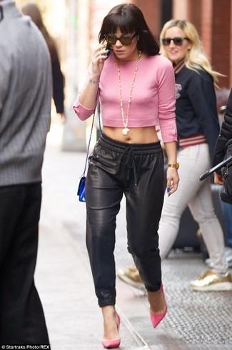 Jersey corto rosado pantalones de pijama negros zapatos de tacon rosa large 1635