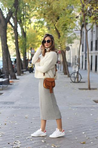 065007211 Look de moda: Jersey de cuello alto de punto en beige, Falda midi de ...