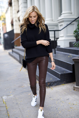 Pantalones pitillo de cuero en marrón oscuro de P.A.R.O.S.H.