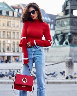 Cómo combinar un bolso de hombre de cuero rojo: Un jersey de cuello alto rojo y un bolso de hombre de cuero rojo son una gran fórmula de vestimenta para tener en tu clóset.