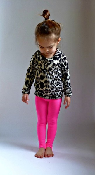 Cómo combinar: jersey de leopardo marrón claro, leggings rosa