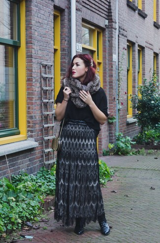 Cómo combinar una falda larga de encaje negra (4 looks de moda ... 862fb9a9d237