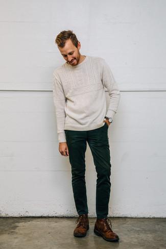 Intenta combinar un jersey de ochos en beige de Gant con unos vaqueros de pana verde oscuro para conseguir una apariencia relajada pero elegante. Agrega botas casual de cuero marrónes a tu apariencia para un mejor estilo al instante.