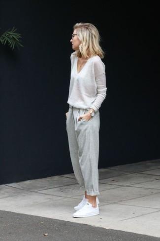Como Combinar Un Pantalon De Chandal Gris 81 Outfits Lookastic Espana