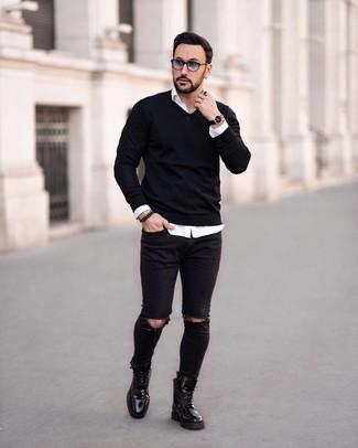 Cómo combinar unas gafas de sol grises: Considera ponerse un jersey de pico negro y unas gafas de sol grises para un look agradable de fin de semana. Con el calzado, sé más clásico y complementa tu atuendo con botas casual de cuero negras.