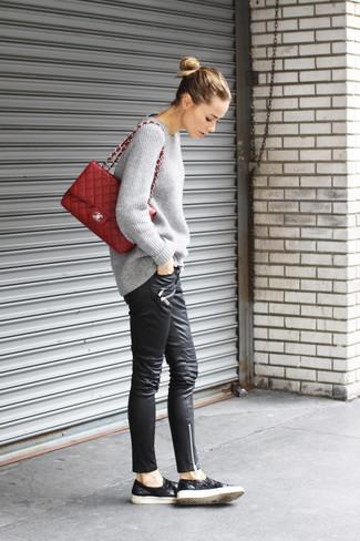 Bolso de hombre de cuero acolchado burdeos de Gucci