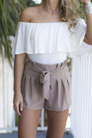 34c18f960d Cómo combinar unos pantalones cortos de lino (14 looks de moda ...