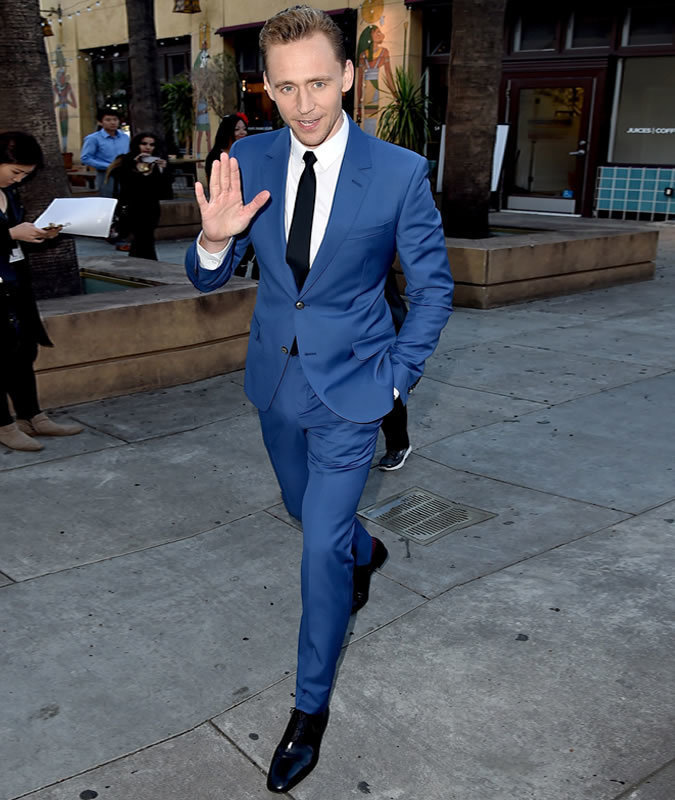 De Tom Look HiddlestonTraje Vestir AzulCamisa BlancaZapatos nwO0kPX8