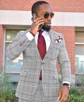 Cómo combinar: traje de tartán gris, camisa de vestir blanca, corbata roja, pañuelo de bolsillo en blanco y rojo