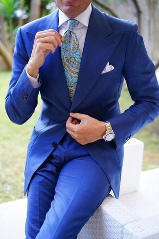 Cómo combinar: traje azul, camisa de vestir blanca, corbata de paisley en turquesa, pañuelo de bolsillo blanco