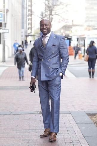 Cómo combinar unos zapatos con doble hebilla de cuero marrónes: Emparejar un traje azul con una camisa de vestir blanca es una opción incomparable para una apariencia clásica y refinada. Si no quieres vestir totalmente formal, elige un par de zapatos con doble hebilla de cuero marrónes.