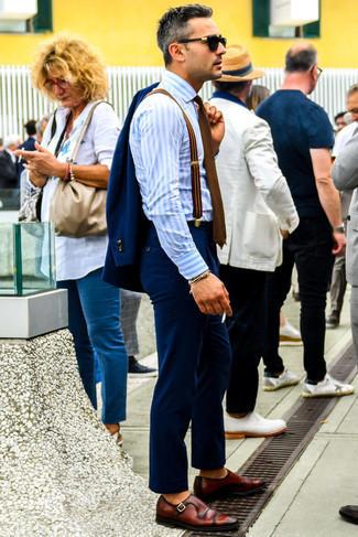 Cómo combinar un traje azul marino: Empareja un traje azul marino junto a una camisa de vestir de rayas verticales celeste para rebosar clase y sofisticación. Zapatos con hebilla de cuero burdeos son una opción excelente para complementar tu atuendo.
