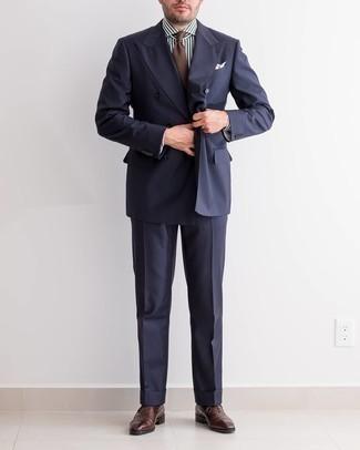 Cómo combinar un pañuelo de bolsillo estampado blanco: Para un atuendo que esté lleno de caracter y personalidad considera ponerse un traje azul marino y un pañuelo de bolsillo estampado blanco. Zapatos oxford de cuero en marrón oscuro dan un toque chic al instante incluso al look más informal.