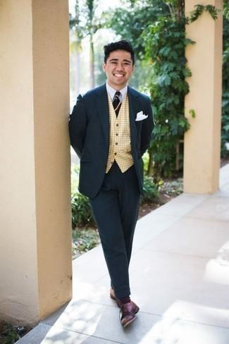 Cómo combinar una corbata de rayas horizontales azul marino: Empareja un traje azul marino con una corbata de rayas horizontales azul marino para un perfil clásico y refinado. ¿Quieres elegir un zapato informal? Complementa tu atuendo con zapatos derby de cuero burdeos para el día.