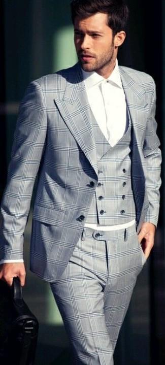 Cómo combinar: traje de tres piezas de tartán gris, camisa de vestir blanca
