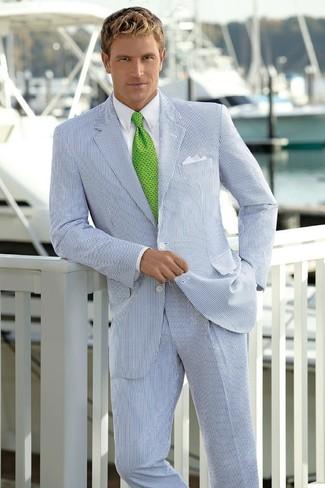 Cómo combinar un traje de rayas verticales blanco: Intenta ponerse un traje de rayas verticales blanco y una camisa de vestir blanca para un perfil clásico y refinado.