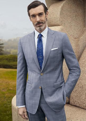 Cómo combinar: traje de tartán gris, camisa de vestir blanca, corbata de paisley azul, pañuelo de bolsillo blanco