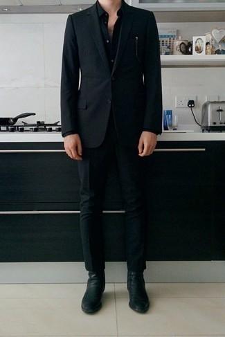 Cómo combinar una camisa de vestir negra: Ponte una camisa de vestir negra y un traje negro para un perfil clásico y refinado. ¿Quieres elegir un zapato informal? Complementa tu atuendo con botines chelsea de cuero negros para el día.