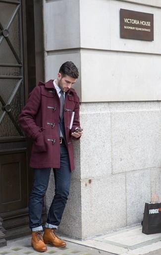 Cómo combinar una correa de cuero en marrón oscuro: Casa una trenca burdeos junto a una correa de cuero en marrón oscuro transmitirán una vibra libre y relajada. Agrega botas casual de cuero marrón claro a tu apariencia para un mejor estilo al instante.