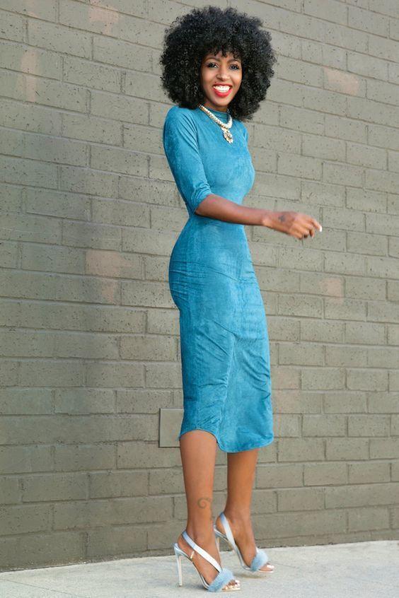 ?vestido Celeste Saten Con Dise?o Multicolor