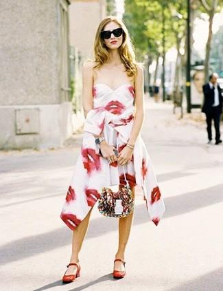 Zapatos para un vestido estampado