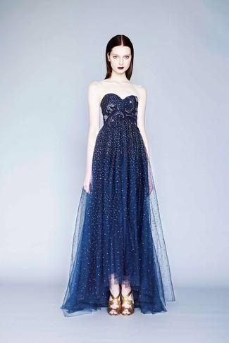 Como combinar un vestido azul de noche