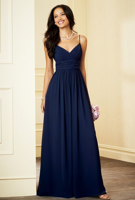 Como combinar vestido azul marino de noche